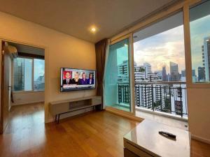 For RentCondoSukhumvit, Asoke, Thonglor : @condorental for rent Wind Sukhumvit 23, beautiful room, good price, ready to move in!!