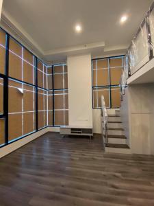 For SaleCondoRama9, Petchburi, RCA : 🌟Knightbridge space rama 9 for sell 7.5 MB. 1 bedroom room 1 bathroom 45.27 sq.m. fl.6 Unfurnished, near MRT Rama 9🌟
