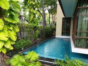 For RentHouseOnnut, Udomsuk : NA-H7009 Luxury single house for rent, Baan Sansiri project, Soi Sukhumvit 67.