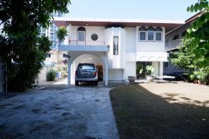 For SaleHouseRatchadapisek, Huaikwang, Suttisan : house for sale Sutthasarn Winitchai Rd. 500M from MRT