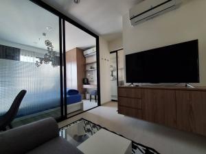 For RentCondoRama9, RCA, Petchaburi : @condorental for rent Life asoke, near MRT Phetchaburi, beautiful room, good price, ready to move in!!