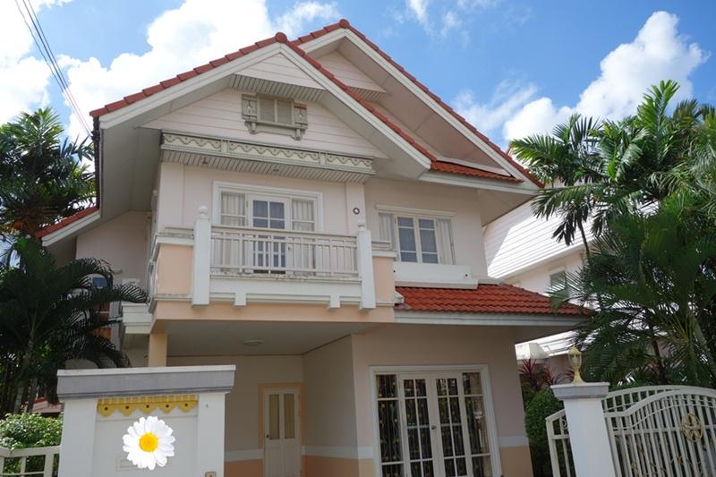 For RentHouseRamkhamhaeng,Min Buri, Romklao : ให้เช่า บ้านเดี่ยว2ชั้น 52ตรว.   อยู่ถนน รามคำแหง190 เขตมีนบุรี ฝั่งตรงข้ามบิ๊กซี  ให้เช่า20,000/เดือน