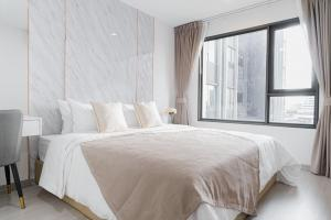 For RentCondoLadprao, Central Ladprao : SR9-KK121 Condo for rent, Life Ladprao, beautiful room, fully furnished, golden location, opposite Central