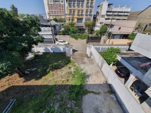 For SaleLandSukhumvit, Asoke, Thonglor : ready land for sale Building, Sukhumvit 71, Soi Pridi Banomyong 42, near Ekkamai, land size 180 sq m.