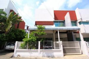 For RentTownhouseSamrong, Samut Prakan : RTJ784ให้เช่าทาวน์เฮาส์   2 ชั้น  หลังมุม หมู่บ้านบิวซิเนสทาวน์ ถนนเทพารักษ์ กม.23
