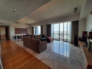 ขายคอนโดสาทร นราธิวาส : 3 bedrooms river view for sale at The Met condominium
