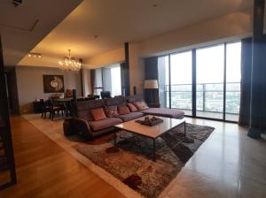 ขายคอนโดสาทร นราธิวาส : 3 bedrooms Bang Krachao view for sale at The Met