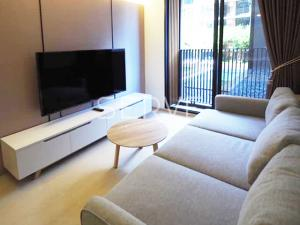 For RentCondoSukhumvit, Asoke, Thonglor : Best view & Nice Room 1 Bed New Condo Close to BTS Ekkamai 350 m. at Noble Ambience Sukhumvit 42  / Condo For Rent