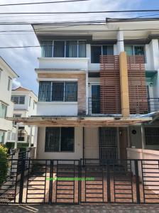 For SaleTownhouseBang kae, Phetkasem : 3 storey townhome for sale, behind the corner of Town Plus Petchkasem Bang Khae. (Phutthamonthon Sai 1) with furniture and electrical appliances