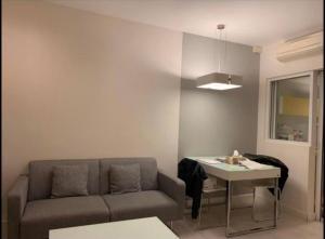 เช่าคอนโดลาดพร้าว เซ็นทรัลลาดพร้าว : ✨The Room Ratchada - Ladprao ให้เช่า1 ห้องนอน 1 ห้องน้ำ 40 ตร.ม. ชั้น 8 ราคา 11,500 บาท/เดือน ทิศตะวันออก เฟอร์ครบพร้อมอยู่ใกล้ MRT ลาดพร้าวเดินทางสะดวก!✨