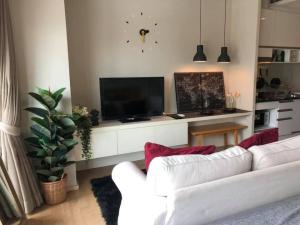 For RentCondoSukhumvit, Asoke, Thonglor : 🌟Noble Reveal for rent 1 bedroom 1 bathroom 32 sq.m.price 15,000THB/month Fully furnished, Ready move in near BTS Ekkamai🌟