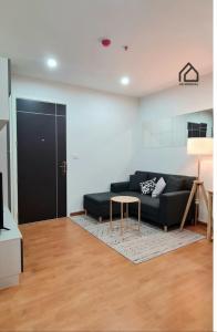 For RentCondoSamrong, Samut Prakan : Quick rent!! new condo lift room