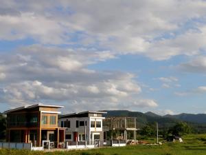 ขายบ้านพะเยา : บ้านเดี่ยว 2 ชั้น สไตล์โมเดิร์น วิว 360 องศา