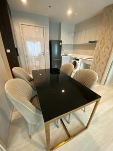 For RentCondoWitthayu,Ploenchit  ,Langsuan : Life 1 wireless 2 bedrooms 2 bathrooms corner unit for Rent 450 m from bts pleonchit