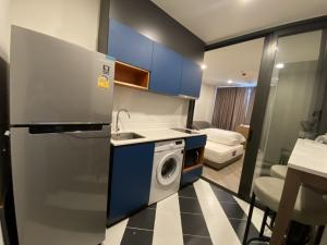 For RentCondoVipawadee, Don Mueang, Lak Si : Urgent for rent, new room, clean, safe Condo next to BTS The Base Saphan Mai Convenient transportation by car and BTS.