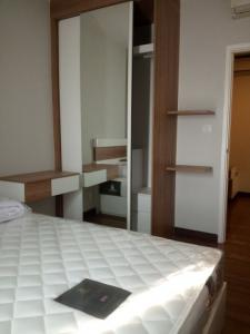For RentCondoRattanathibet, Sanambinna : Condo for rent, Centric Tiwanon, Centric tiwanon, 24th floor, has a cloth machine
