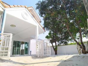 For SaleTownhouseBang kae, Phetkasem : H0012 Townhouse for sale, Chananthon village 2, Soi Petchkasem 69, 2 bedrooms 2 bathrooms, Area 47.4 sq.wa, Corner house, Lots of space.