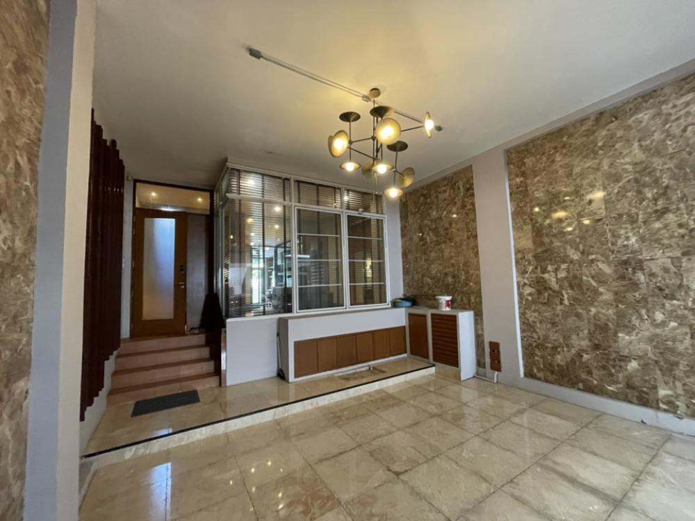 For RentTownhouseSukhumvit, Asoke, Thonglor : Rent/Sale: Townhome, area 350 sq.m., Soi Thonglor 26.
