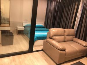 For RentCondoRama9, RCA, Petchaburi : Condo for rent Condolette Midst Rama 9 BA21_07_093_02. Full electrical appliances, beautiful room, ready to move in, price 12,999 baht