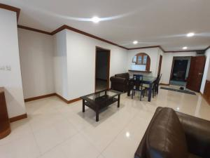 For RentCondoSamrong, Samut Prakan : Thana City Novel Price 13,000 baht --New!!! Room available Line ID: @lovebkk (with @ too) The room is released very quickly. Send Line Inquiry