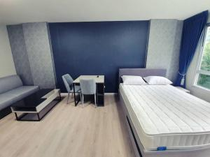 For RentCondoRangsit, Thammasat, Patumtani : For rent, D Condo Campus Dome-Rangsit has a washing machine in the room.