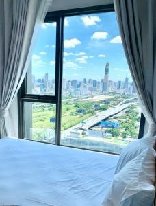 For RentCondoRama9, RCA, Petchaburi : Life Asoke-Rama9 ✯Luxury Condo with Good Quality of Life✯ Fully furnished, ready to move in!!