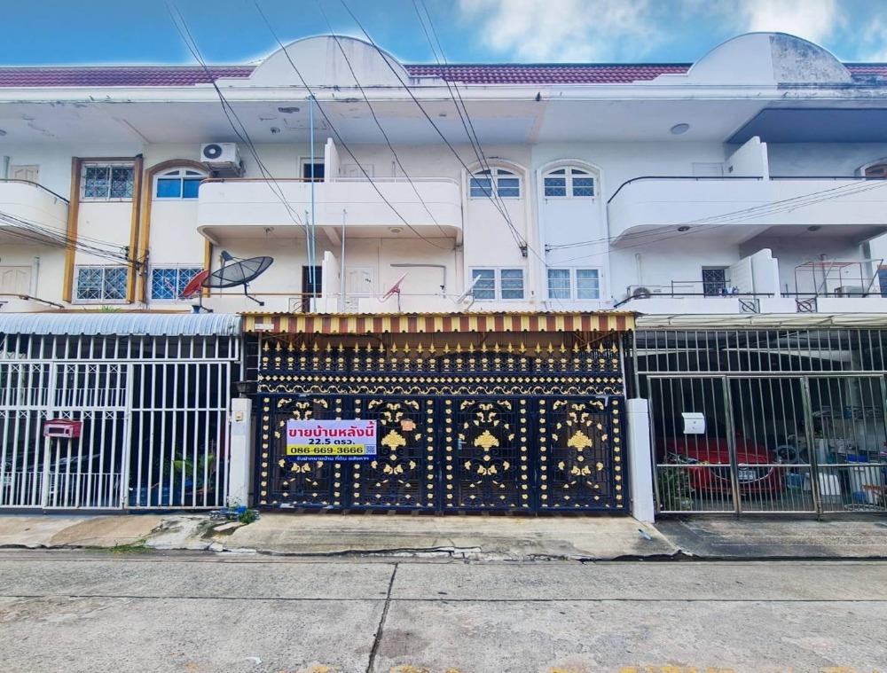 For SaleHouseSapankwai,Jatujak : 3 storey townhome for sale near BTS Phahon Yothin 24