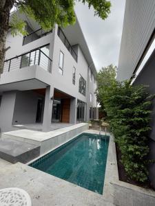 เช่าบ้านสุขุมวิท อโศก ทองหล่อ : Single house Modern for rent