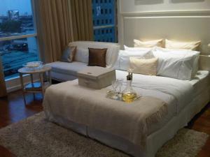 For RentCondoWitthayu,Ploenchit  ,Langsuan : Condo for rent, The Address Chidlom, close to Chidlom BTS 300 meters.