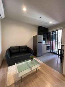 เช่าคอนโดพระราม 9 เพชรบุรีตัดใหม่ : คอนโด The Base Garden Rama9 ชั้น 22  แบบ 1 ห้องนอน ให้เช่าเพียง 9000 ต่อเดือน