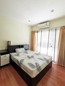 For RentTownhousePattanakan, Srinakarin : Townhome for rent The Metro Rama 9 size 20 sq.wa. 3 floors 1 car parks Srinakarin Prawet