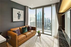 เช่าคอนโดสาทร นราธิวาส : Nara 9 condo for rent 1 bedroom 43 sqm on 40 floor , nice fully furnished room close to BTS Chongnonsri