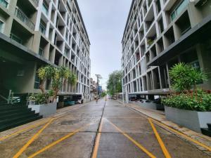 For SaleCondoPattaya, Bangsaen, Chonburi : Condo for sale by the sea capital