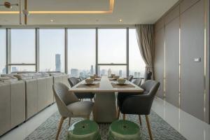 For RentCondoSathorn, Narathiwat : Condo for rent, The Bangkok Sarthorn, size 130 Sq.m, 2 bed, 2 bath, price only 95k !! FL45+