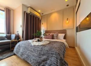 ขายคอนโดพระราม 9 เพชรบุรีตัดใหม่ : ขายห้องหรูพร้อมอยู่ คอนโด คาซ่า อโศก-ดินแดง ชั้นสูง วิวตึกใบหยก (S2278)