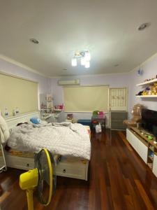 ขายทาวน์เฮ้าส์/ทาวน์โฮมลาดพร้าว101 แฮปปี้แลนด์ : ขายบ้านรีโนเวทแล้ว!! ทาวน์เฮ้าส์ 2 ชั้น หมู่บ้านเสนาวิลล่า 84 บางกะปิ (S2285)