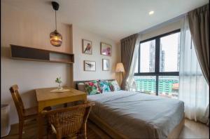 For RentCondoBangna, Lasalle, Bearing : Condo for rent Ideo O2 Bangna BA21_07_152_05 beautiful room, furniture, electrical appliances, price 9,999 baht.