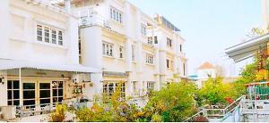 เช่าบ้านราชเทวี พญาไท : BH1108 ให้เช่า-ขาย บ้านเดี่ยว 3ชั้น 3.5ห้องนอน 4ห้องน้ํา คอมพาวด์ สไตล์คลาสสิค เป็นส่วนตัว ใกล้BTS ซอย อารีย์สัมพันธ์2