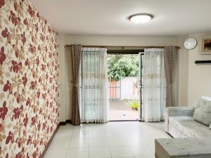 For RentHouseBangbuathong, Sainoi : House for rent size 50.3 square wa.  Fueng Suk Village 5