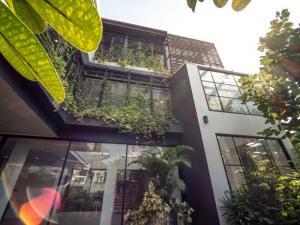 ขายบ้านสุขุมวิท อโศก ทองหล่อ : ขาย บ้านเดี่ยว 3 ชั้น พร้อม สระว่ายน้ำ ส่วนตัว เพดาน สูง เหมาะ สำหรับ ทำ สำนักงาน หรือ ที่พัก อาศัย