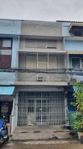 For RentShophouseKhlongtoei, Kluaynamthai : 3-storey commercial building for rent, Soi Tai Talat Khlong Toei, Rama 4 Road, next to Khlong Toei Market