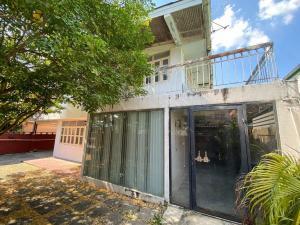 เช่าบ้านโชคชัย4 ลาดพร้าว71 : บ้านเดี่ยว 2 ชั้นให้เช่า เนื้อที่ 56 ตารางวาหมู่บ้านไทยศิริเหนือ บริเวณ Town in Town ลาดพร้าว