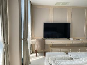 เช่าคอนโดวิทยุ ชิดลม หลังสวน : 🔥 SO HOT ห้องสวยสไตล์ญี่ปุ่น ณ เพลินจิต🔥 เพียง 35000 บาทเท่านั้น ลิฟท์ส่วนตัวตรงถึงประตูห้องพัก