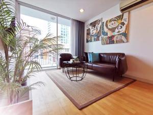 For RentCondoWongwianyai, Charoennakor : 🎀🎀 THE FINE @ RIVER, Charoen Nakhon 17 ,80 sqm 2 bedrooms, 2 bathrooms, 3 balconies, corner room, fully furnished.