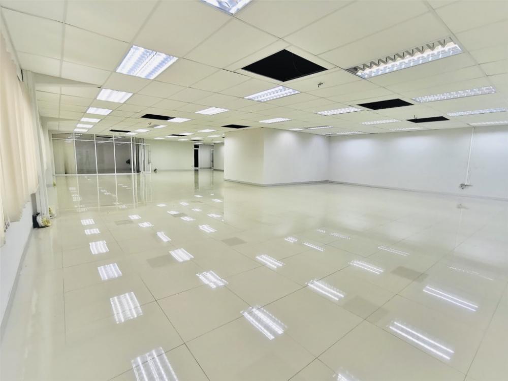 For RentOfficeRama9, RCA, Petchaburi : Office building for rent on Phetchaburi - Asoke Road.