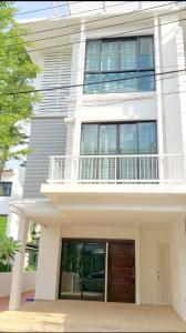 For SaleTownhouseSukhumvit, Asoke, Thonglor : (Code A16076405) Quick sale, townhome, cash back in millions...!!! From 9.9 million to only 8.9 million!!!