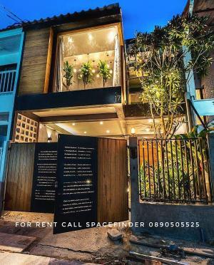 For RentTownhouseSukhumvit, Asoke, Thonglor : Pet-friendly Modern Loft Style Townhome in Sukhumvit 55 For Rent Thonglor Area