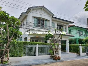 For RentHouseBangna, Lasalle, Bearing : House for rent, Manthana 2, Srinakarin (Soi Sri Dan 22), good location, accessible in many directions.