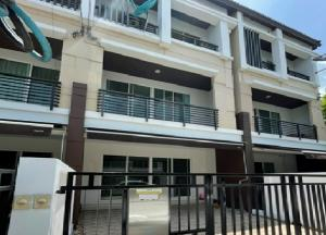 For RentTownhouseKaset Nawamin,Ladplakao : For Rent 3-storey townhome for rent, Klang Muang Village, Kaset-Nawamin, Soi Nawamin 70, very beautiful house, 4 air conditioners, partially furnished. live only