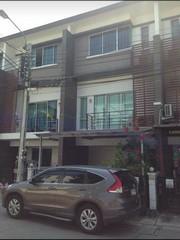 For RentTownhouseEakachai, Bang Bon : RT560 ให้เช่าทาวน์โฮม 3 ห้องนอน 4 ห้องน้ำ หมู่บ้านทาวน์พลัสราชพฤกษ์-จรัญ